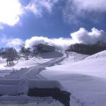 スノーウェーブパーク白鳥高原 12/10山頂より滑走可能、クワッドリフト運行開始!